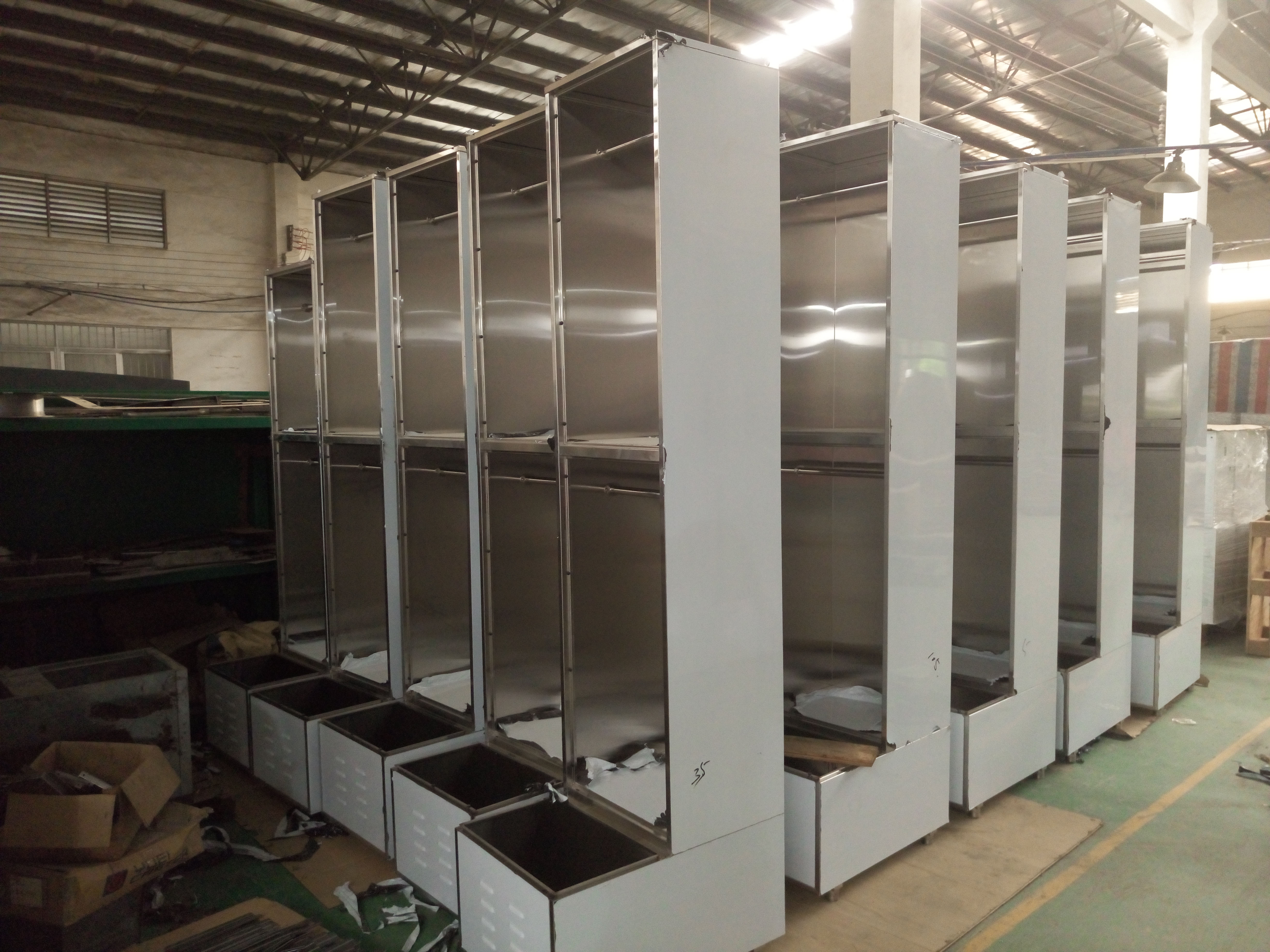 China Manufactured OEM 304 Stainless Steel Locker